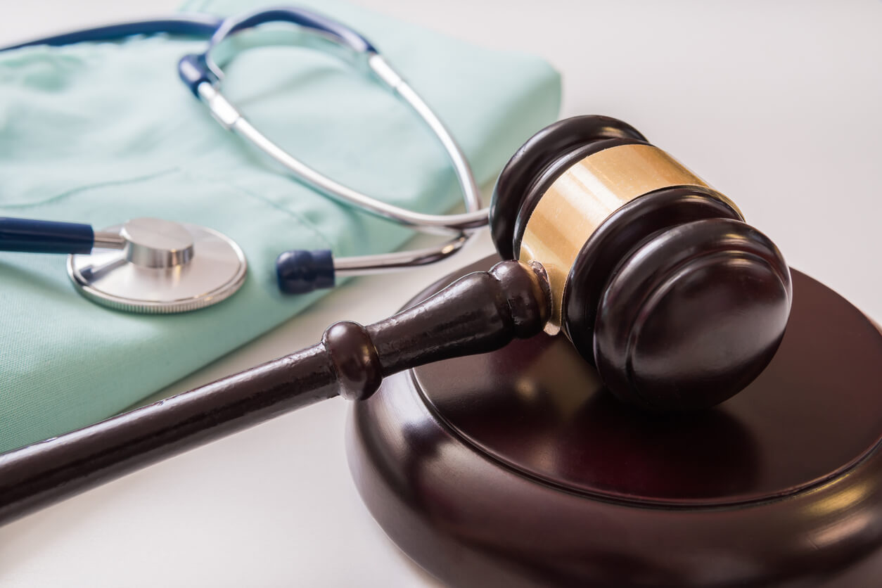Everything You Should Consider When Filing a Medical Malpractice Lawsuit
